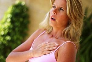 Боль в груди - один из симптомов тахикардии