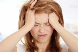 Головная боль - основной симптом повышенного диастолического давления