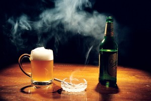 Курение и злоупотребление алкоголем могут спровоцировать ИМ