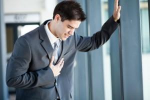 Боль в груди - явный признак заболевания