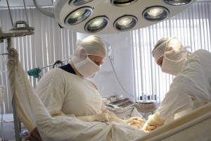 Осуществление установки стента в сонную артерию