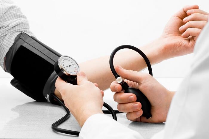Лечение гипотонии при помощи медикаментов