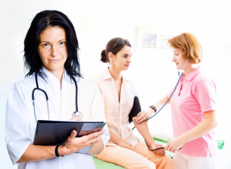 При стойком снижении давления нужно посетить врача